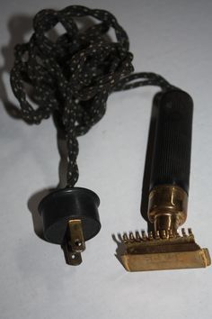 One of the first electric razors...it still works! Electric Razors b954745289da