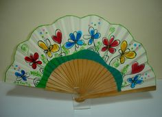 FLORES DE PRIMAVERA Hand Held Fan, Hand Fan, Vintage Fans, Paper Fans, Japanese Art, Paper Cutting, Projects To Try, Paper Crafts, Handmade Gifts