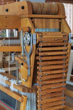 Types Of Weaving, Weaving Tools, Loom Weaving, Hand Weaving, M Design Logo, Jacquard Loom, Weaving Textiles, Dobby, Loom Knitting