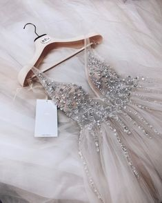 2019 Trendy Prom Dresses Today we are going to talk about an exciting topic. Yes, the topic is prom dresses! As you know that, prom time is approaching. Cute Prom Dresses, Dream Wedding Dresses, Stunning Wedding Dresses, Pretty Dresses, Beautiful Dresses, Wedding Gowns, Formal Dresses, Sparkle Wedding Dresses, Dresses Dresses