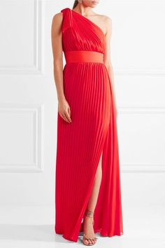 Elie Saab - One-shoulder Plissé-georgette Gown - Red - FR Elie Saab Gowns, One Shoulder Gown, Ellie Saab, Wedding Dinner, Long Dresses, Formal Dresses, Shades Of Red, Sewing Ideas, Haute Couture