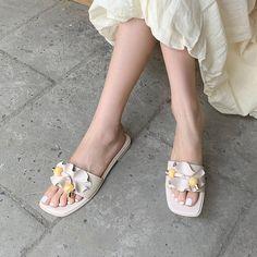 Flat Gladiator Sandals, Women's Shoes Sandals, Leather Sandals, Toe Shoes, Flat Shoes, Womens Flats, Block Heels, Fashion Shoes, Shoe Bag