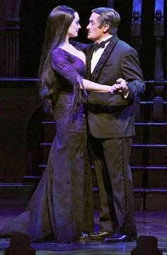 Photo of Brooke Shields as Morticia Addams and Roger Rees as Gomez Addams in The Addams Family. Addams Family Show, Addams Family Costumes, Adams Family, Broadway Costumes, Cool Costumes, Family First, Family Life, Roger Rees, Morticia Adams
