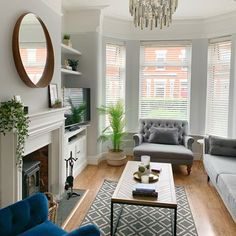 Gemma Louise (@hodges_home_) • Instagram photos and videos Victorian Terrace, Living Room Grey, Entryway Bench, Interiors, Furniture, Instagram, Videos, Photos, Home Decor