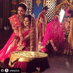 The girls are getting ready for their marriages Siya Ke Ram, Bridal Chuda, Indian Couture, Indian Bridal, Indian Outfits, Photo Galleries, Bollywood, Marriage, Actresses