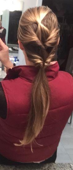 Quick and charming ponytail for every day! Watch video here- https://www.facebook.com/lzfashionconsultant/videos/1659854744298472/ Just one loop less than the video one! Dica de penteado! Uma segunda versão de um que já fiz vídeo! Uma volta a menos, muito fácil e prático para o dia a dia!