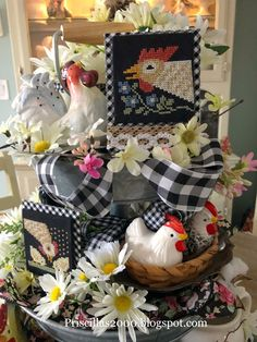 Priscillas: A Tray Full Of Chickens and Daisies Country Farmhouse Decor, Rustic Decor, Galvanized Tiered Tray, Table Centerpieces, Table Decorations, Seasonal Decor, Holiday Decor, Tray Styling, Tiered Stand