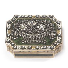 A Continental Gold & Enamel Snuff Box set with Diamonds, 19th century | Lot | Sotheby's