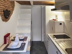 Smallest House in Rome - Dining Room, Kitchen