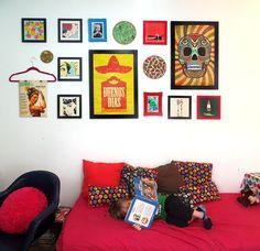 Inspiração do Dia #180 | Cabides e posteres para decorar a parede sem precisar de molduras, galeria de quadros, parede decorada.