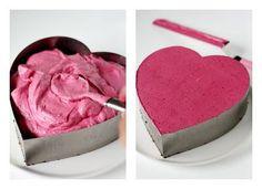 Taivaallinen mustaherukkamoussekakku - Suklaapossu Finnish Recipes, Ice Cream Pies, Sweet Cakes, Trifle, Something Sweet, Food Art, Sweet Treats, Deserts, Good Food