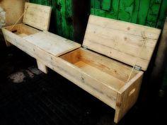 Banc de rangement triple taille 260cm long x 40cm profondeur x 40 cm de haut. Fini en bois brut/nu de claire cire ou gauche