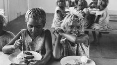 Australiens verlorene Kinder. Bis 1970 wurden Aborigine-Kinder systematisch von den Behörden verschleppt. Leiden, Human Rights, Couple Photos, Couples, Christian, Australia, Couple Shots, Couple Photography, Couple