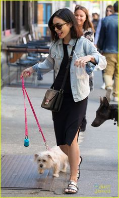 vanessa hudgens darla walk before theater 02