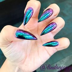 Fantabulous Pointy Nails Designs You Would Love to Have ❤ Trendy Chrome Mani picture 1 ❤ Pointy nails can look scary and dangerous if you do not know the ways to handle them. Fear no more we know the best designs to tame this shape! Matte Nails Glitter, Matte Stiletto Nails, Pointed Nails, Fall Nail Art Designs, Acrylic Nail Designs, Acrylic Nails, New Nail Art, Cool Nail Art, How To Do Nails