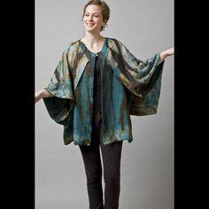 Gloria Lewis / Gloria Lewis Handpainted Silks / Fashion Wearables / #accshow #finecraft #handmade #craft #fashion #wearables