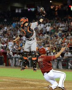 Alex Pavlovic: Going through a bunch of May photos for a blog post, had no idea @BusterPosey could do this: