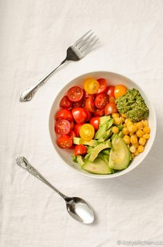 Sunshine Bowl - the 5 minute salad of your dreams