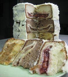 Chercumple ,  3 pastisos dins un pastis,un MEGA postre que va començar amb aquest gag ( http://www.youtube.com/watch?v=Rp4yWTLIPaE ) i que s'ha convertit en un postre real