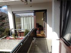 3 Zimmer #Wohnung mit Balkon in Salzburg Parsch von Denkstein Immobilien!  Die Wohnung ist großzügig aufgeteilt und besticht durch Ihren schönen #Ausblick und der sonnigen Ausrichtung. Oversized Mirror, Windows, Furniture, Home Decor, Terrace, Condominium, Balcony, Stones, Ramen