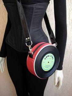 Vinyl Record Crafts, Vinyl Crafts, Diy Clutch, Diy Purse, Records Diy, Creative Bag, Unique Purses, Diy Craft Projects, Make And Sell