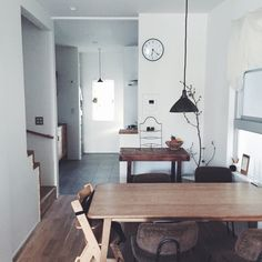 miyo8888さんの、照明,アンティーク,部屋全体,のお部屋写真 City Living, Home And Living, Living Room, Kitchen Interior, Room Interior, Interior Design, Muji Home, Simple Interior, Space Furniture