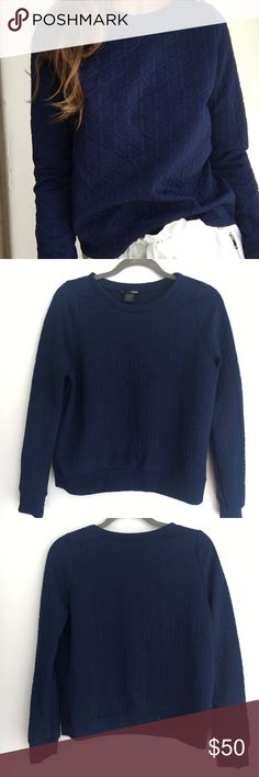 AQUA navy blue printed crewneck Urban Sweater L Hi and thank you for viewing this beauty! :)   I usually wear a Small and t fits me right too, if you like it a little baggy. :)  This items is very gently used and in great condition! no flaws stains or holes and comes from a smoke free home.   Offers are welcome and I offer bundle discounts.   Please let me know if you have any questions!   xxxxxxx Aqua Sweaters Crew & Scoop Necks