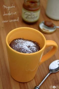 Mugcake au chocolat et coeur coulant au caramel beurre salé - Amandine Cooking