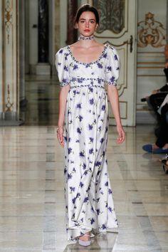 Luisa Beccaria Spring 2016 Ready-to-Wear Fashion Show Collection Fashion Week, Runway Fashion, Spring Fashion, High Fashion, Fashion Outfits, Milan Fashion, Women's Fashion, Fashion Trends, Luisa Beccaria