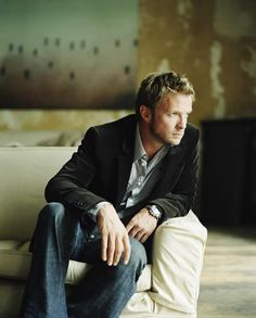 Rupert Penry-Jones another one of those exceptionally good-looking Brits. Love him in Persuasion and Whitechapel.