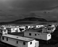 Tract Houses, by Robert Adams. A shockingly powerful photo. Robert Adams Photography, British Journal Of Photography, History Of Photography, Urban Photography, White Photography, Street Photography, Documentary Photography, Film Photography, Digital Photography