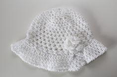 Biały kapelusik. facebook.com/twojamodowaprzystan