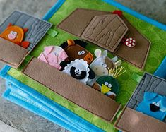 Barn page with felt Finger Puppets for custom built Quiet Book by TomToy, Fabric Busy book pages, 20x20cm, Single page
