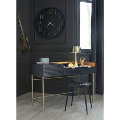 Black Solid Acacia and Gold Metal Desk Jagger on Maisons du Monde. Take your pick from our furniture and accessories and be inspired! Acacia, Salon Furniture, Home Furniture, Dressing Table Modern, Leather Stool, Metal Stool, Gold Desk, Metal Clock, Desks