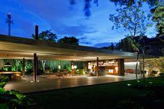 Galeria de Casa V4 / Studio Mk27- Marcio Kogan + Renata Furlanetto - 16