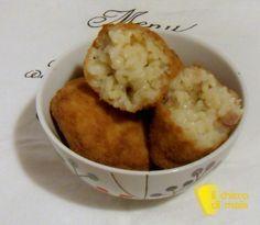 Supplì alla gricia (ricetta romana). Rietta antipasto tipico romano: crocchette di riso alla gricia, con risotto al guanciale e pecorino, panate e fritte