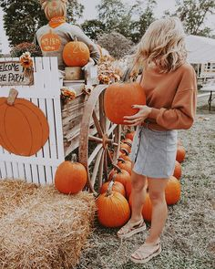 take me to the pumpkin patch and ill love u forever Snoopy Halloween, Fall Halloween, Halloween Bucket List, Fall Pictures, Fall Photos, Fall Pics, Peanuts Snoopy, Pumpkin Patch Pictures, Fall Dates