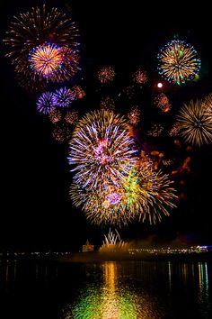 Das magische Feuerwerk zum Start ins neue Jahr. #feuerwerk #show #silvester #jahreswechsel #idee #inspiration #feiern #party >>Dekorideen fur Silvester