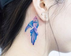 Watercolor fish tattoo on the right side of the neck Pisces Tattoo Designs, Hip Tattoo Designs, Tattoo Designs For Girls, Feminine Tattoos, Trendy Tattoos, Tattoos For Guys, Sister Tattoos, Future Tattoos, Wolf Tattoos Men