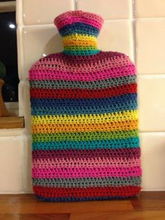 Craft Hippy: Crocheting and Talking ..... A lot! Christmas pressie hot water bottle cover.