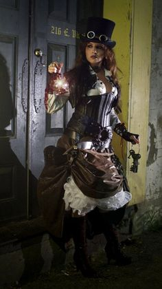 steam punk fashion-not the era mentioned, but cool