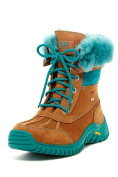 UGG Australia on HauteLook. Okay, you broke me. I would wear this Ugg Ugg Winter Boots, Snow Boots, Ugg Australia, Fashion Bags, Fashion Accessories, Women's Fashion, Ugg Boots Cheap, Site Nike, Ugg Slippers