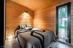 Modern Cabin in Finland Small House Design, Cottage Design, Modern House Design, Modern Bungalow, Modern Cottage, Home Building Design, Building A House, Modern Log Cabins, Best House Plans