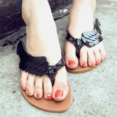 I want a pair of these flip-flops