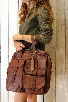 MULTI TASC-Handmade Italian Brown Leather Messenger Bag di LaSellerieLimited su Etsy