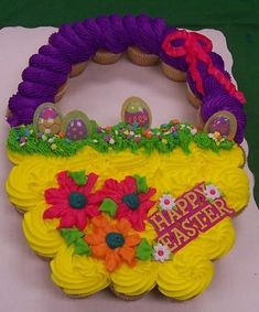 Imaginative Halloween Costumes - The Best Way To Be Artistic With A Budget Easter Cupcake Basket Pic Only Pull Apart Cupcake Cake, Pull Apart Cake, Easter Cupcakes, Easter Cake, Sweet Cupcakes, Flower Cupcakes, Christmas Cupcakes, Easter Cookies, Mini Cupcakes