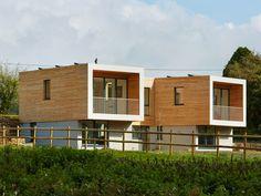 tv-house-exclusive-upside-down-cedar-clad-eco-home