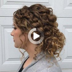 #34: Low Curly Bun with Loose Curls Another type of long-length hairstyles for curly hair is relaxed low updos. The loose, thick, side braids help bring details to the feminine and romantic up style full of delicate curls. The subtle highlights enhance your complexion and give depth to the base hair color. #curlyhairstyles Curly Bun, Curly Hair Tips, Short Curly Hair, Curly Hair Styles, Easy Hairstyles For Long Hair, Great Hairstyles, Down Hairstyles, Wedding Hairstyles, Layered Hairstyle