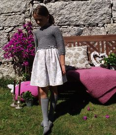"""Vestido Lan Fairy modelo """"Marie"""" Fall Dresses, Girls Dresses, Vintage Kids Fashion, Kids Outfits, Cool Outfits, Girlie Style, Knit Baby Dress, Girl Falling, Knitting For Kids"""