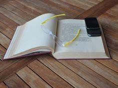 Twist & Read Hi-Tech Folding Readers 7023 - Vegas Yellow